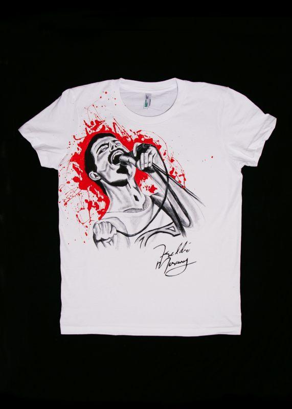 Ručne maľované tričko Fredie Mercury s mikrofónom