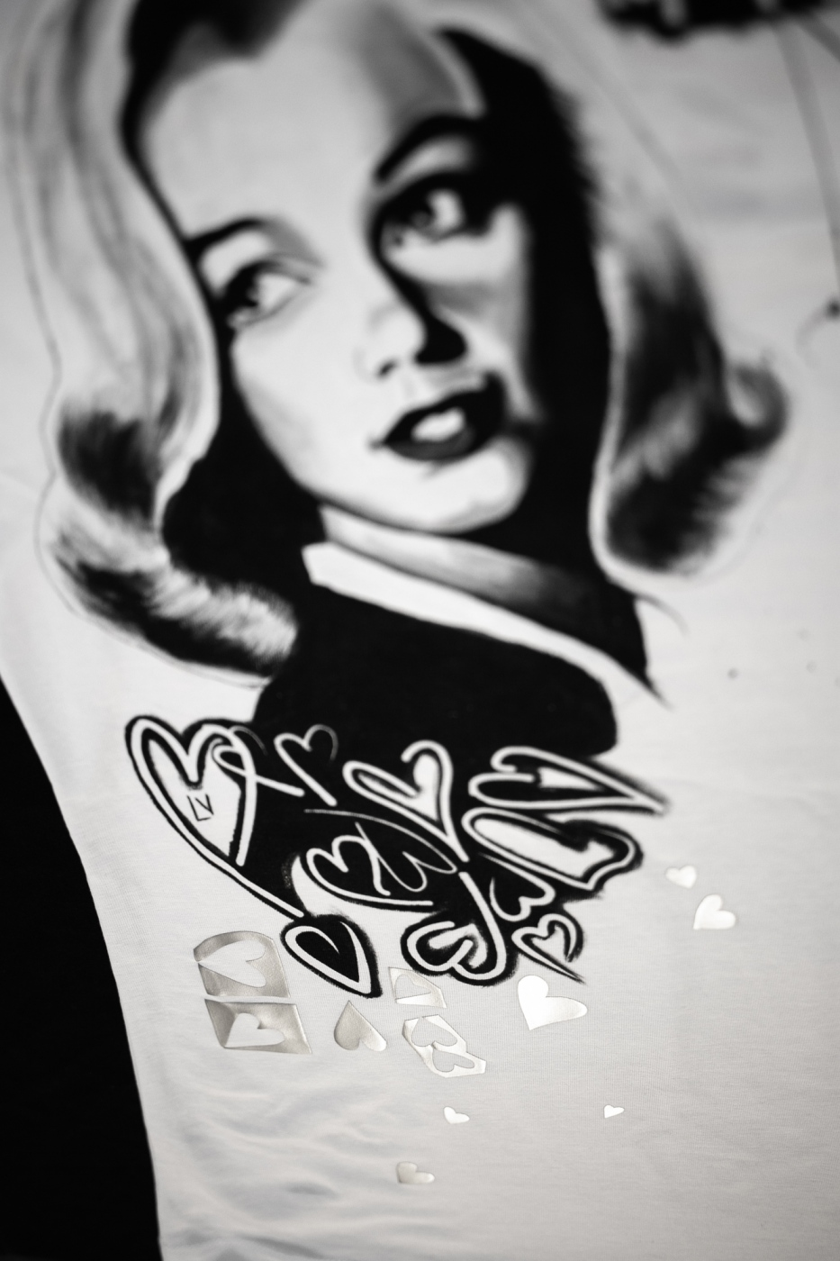 Ručne maľované tričko madame Monroe