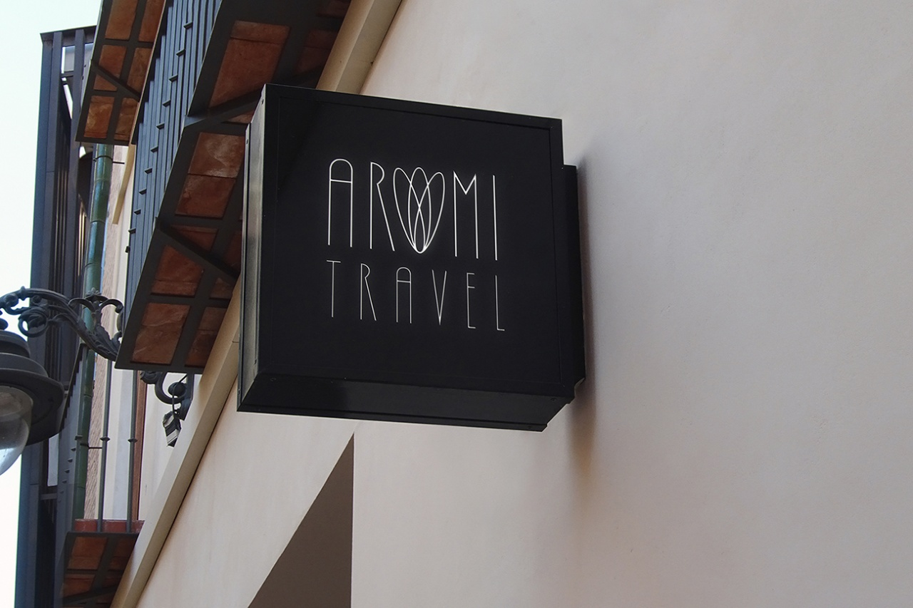 Aromi Travel