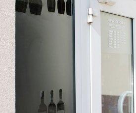 branding of the Wine shop2