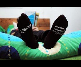 Socks bring the food