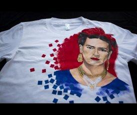 Hand painted T-shirt Frida Kahlo