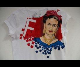 Painted T-shirt Frida Kahlo